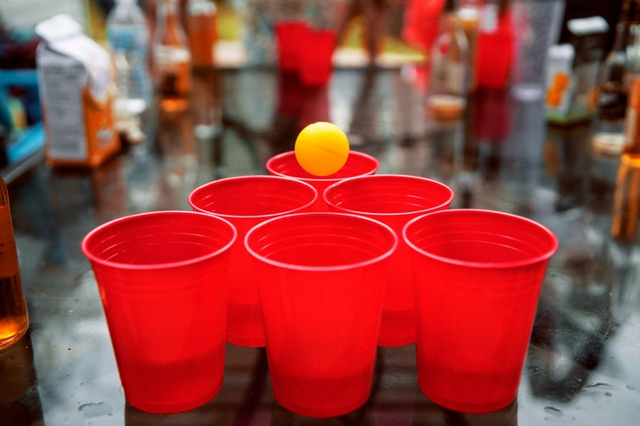 15 Best ESL Games for Adults - Beer Pong